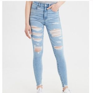 American Eagle Light Wash Ripped High Rise Jegging